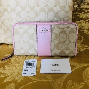 Coach accordion zip wallet in carnation pink NWT